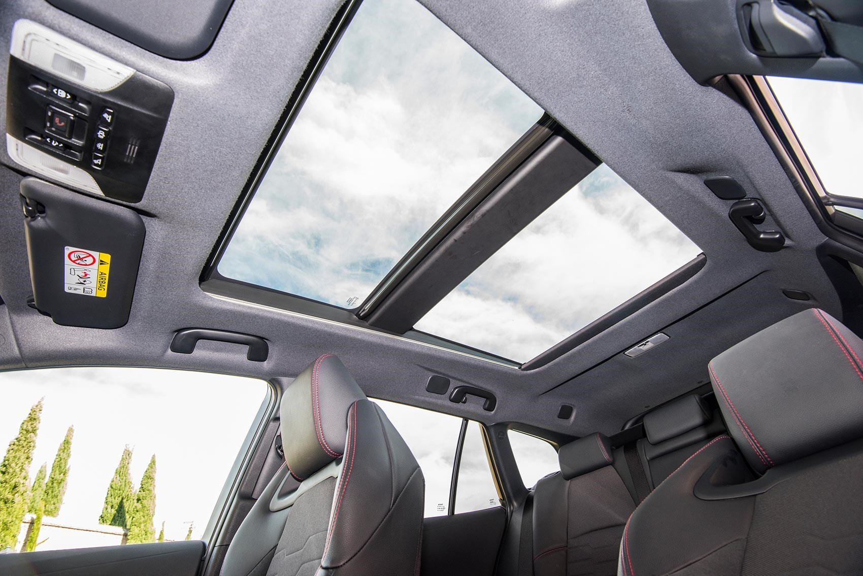 Toyota Corolla double sunroof