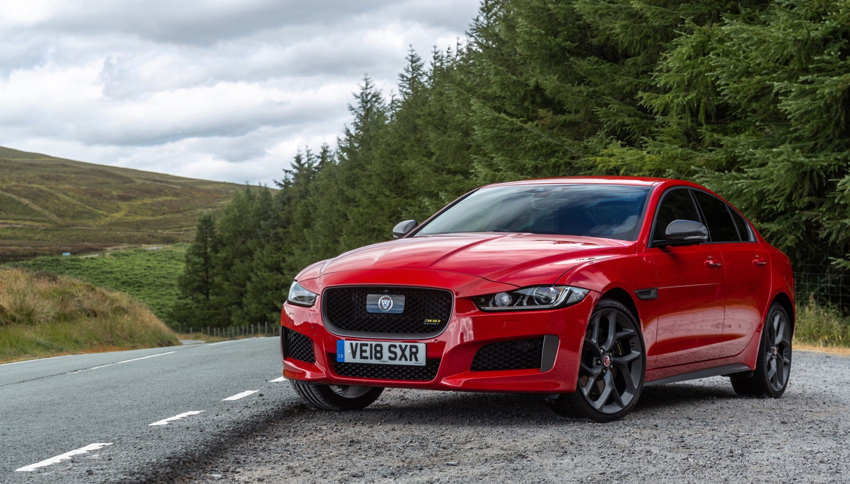 Jaguar XE 300 Sport red