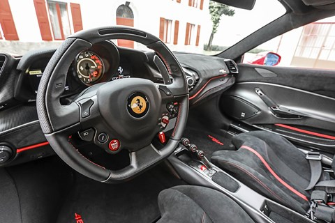 Ferrari 488 Pista interior: buttons on steering wheel control the handling set-up