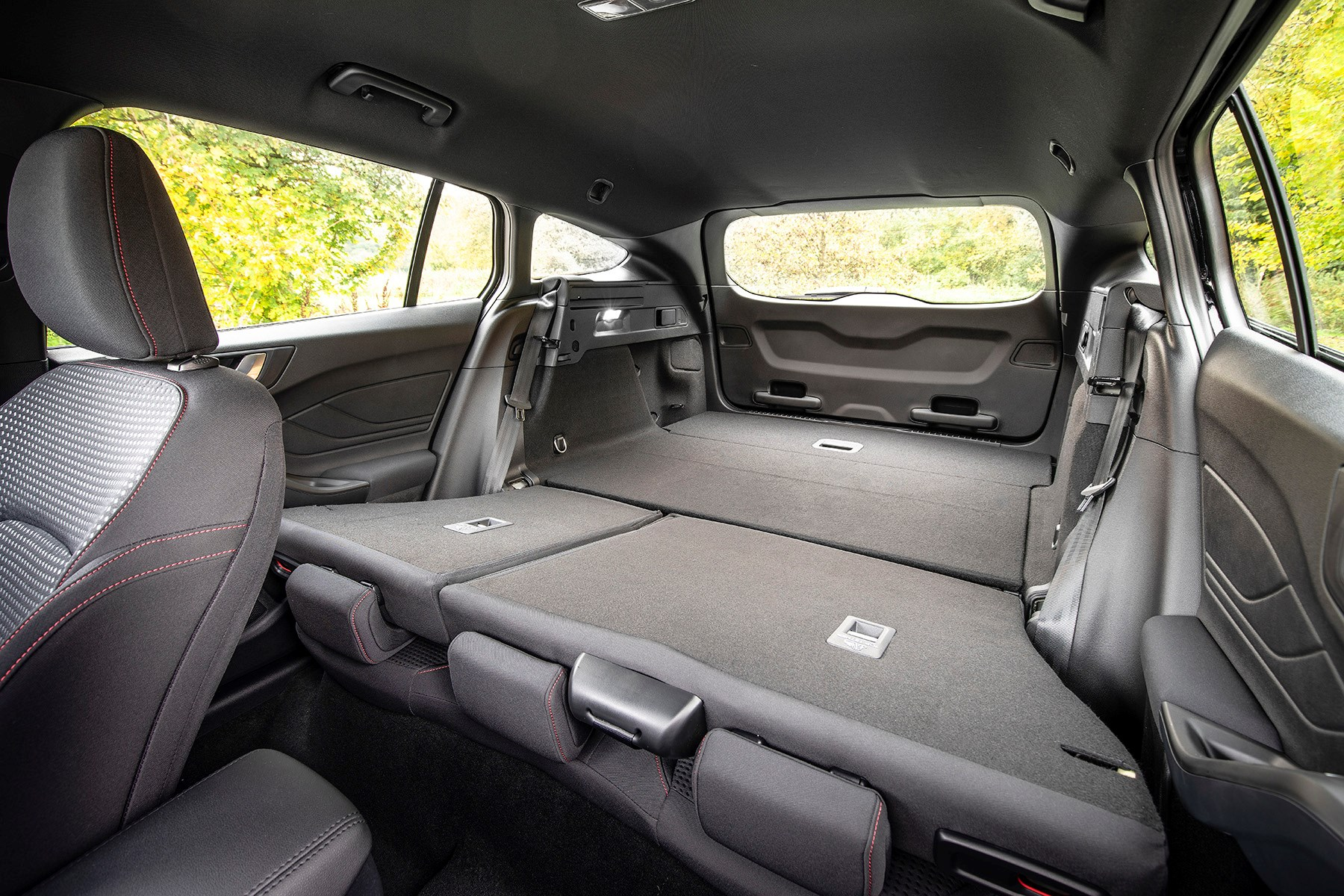 Ford Lease Deals >> New Ford Focus Estate (2018) review: refreshing simplicity ...
