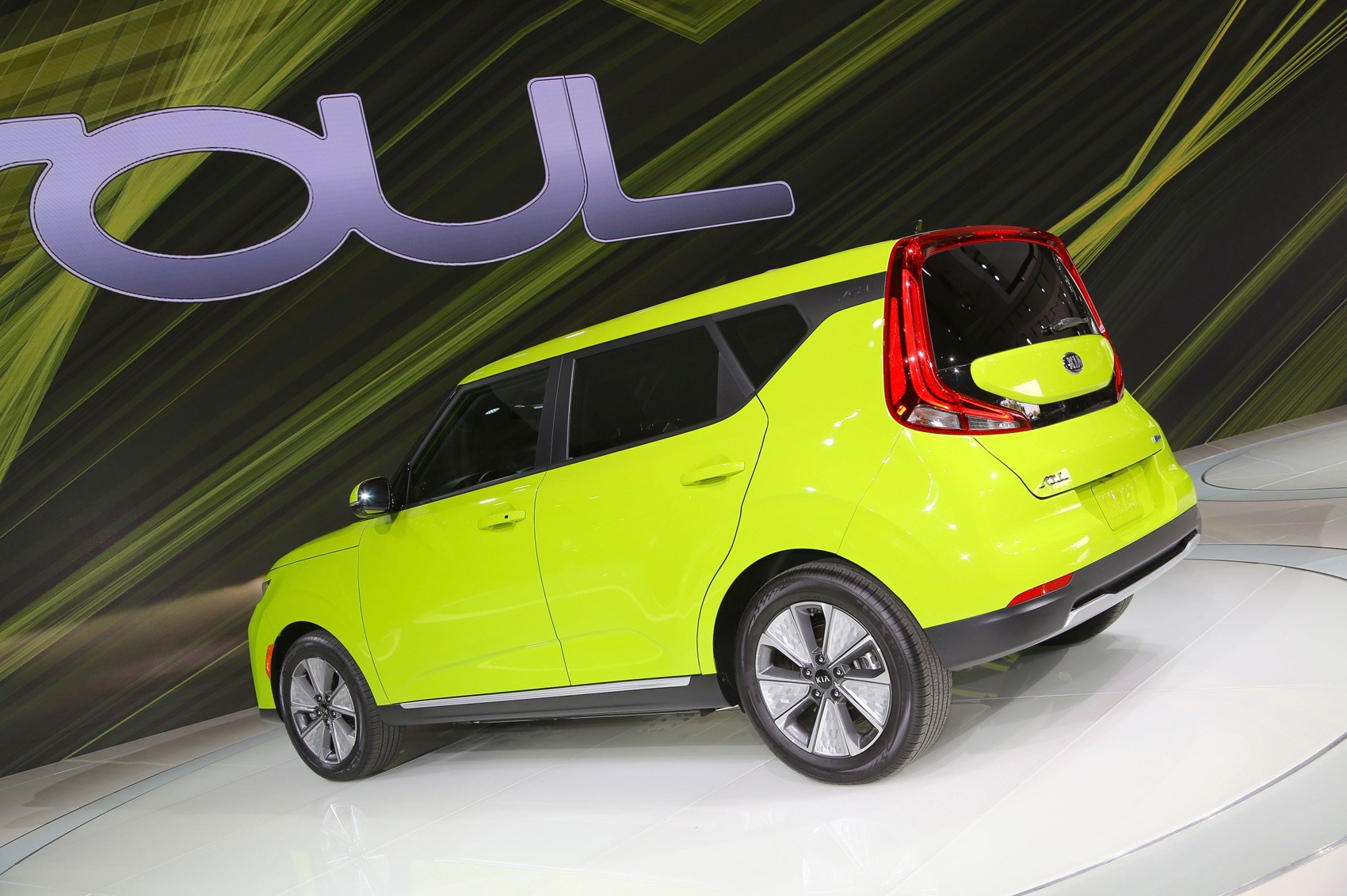 New Kia Soul Ev Oddball Crossover Surges On Car Magazine