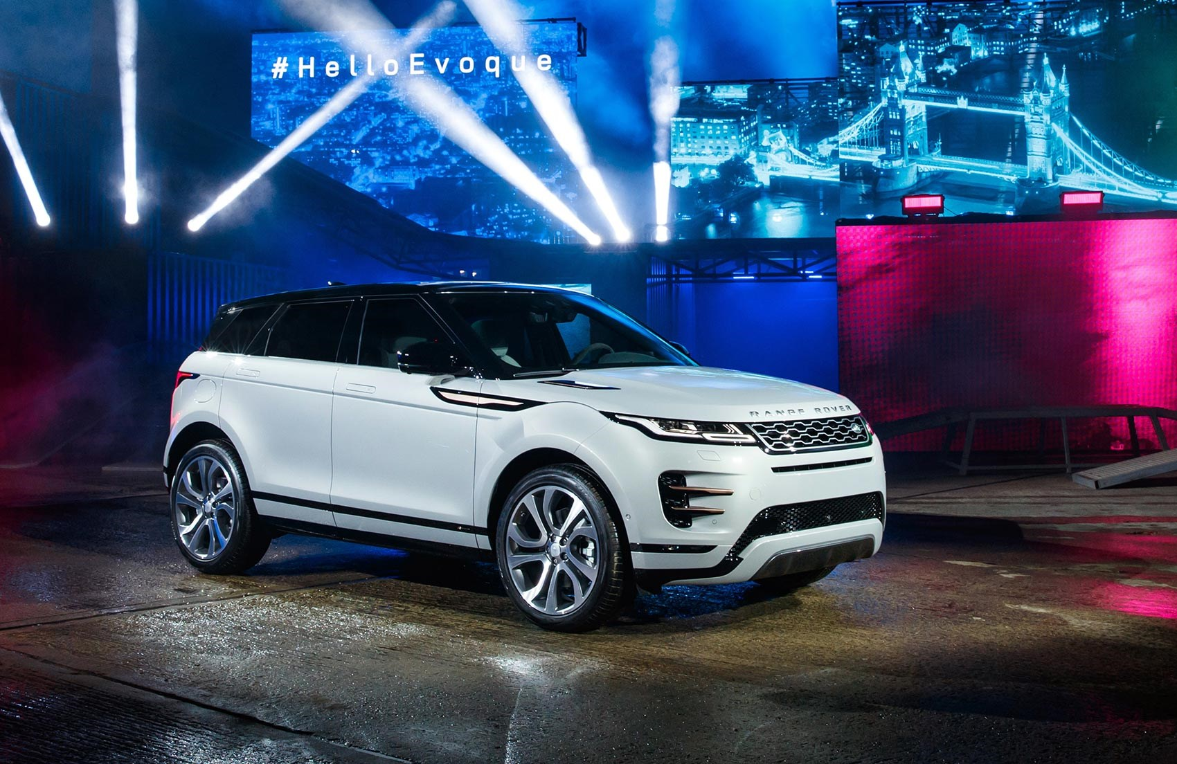 new range rover evoque 2019 revealed car magazine. Black Bedroom Furniture Sets. Home Design Ideas