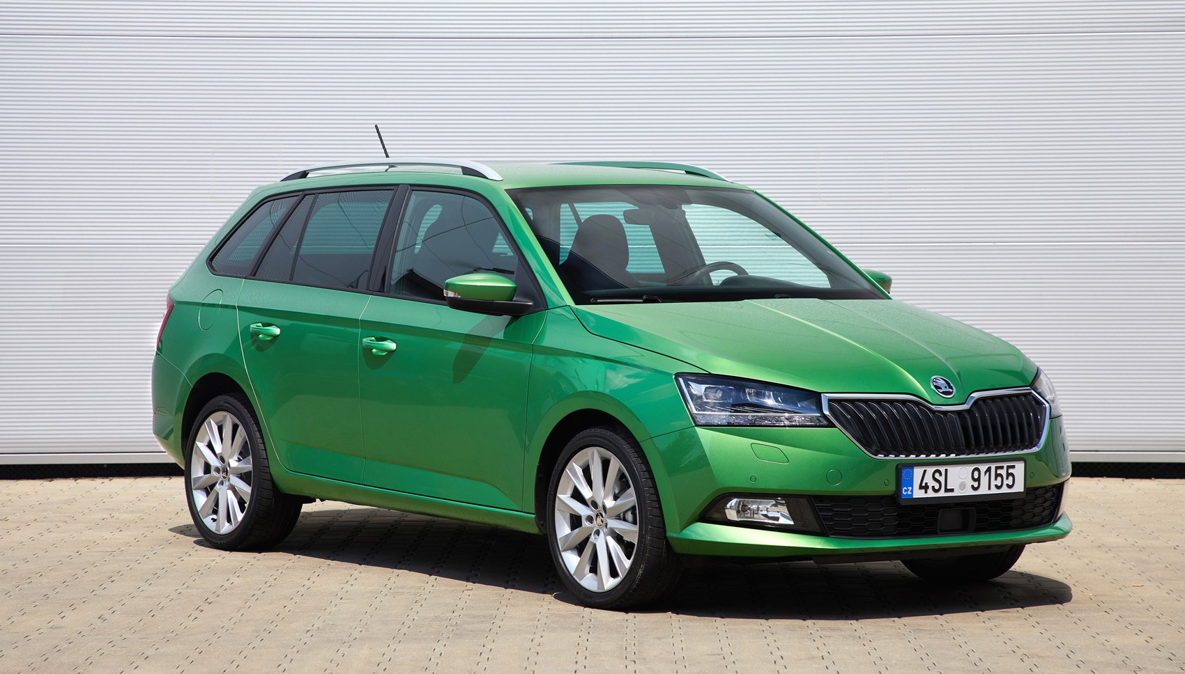 skoda fabia estate front quarter