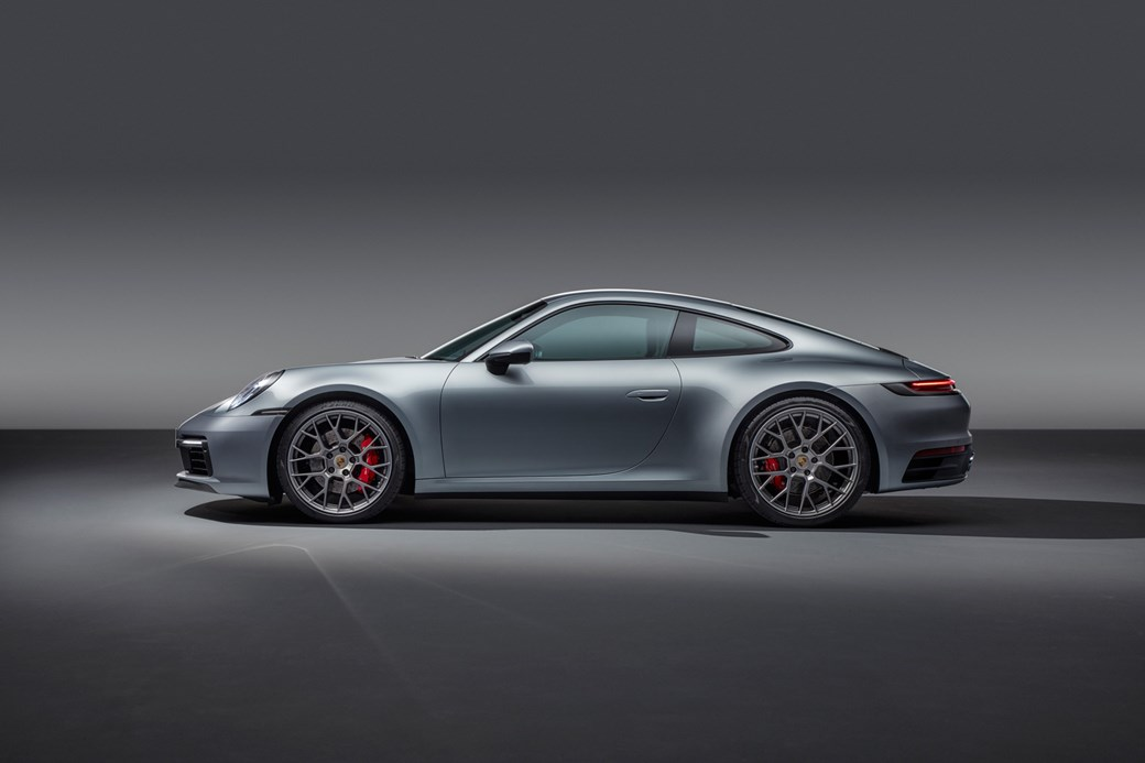 New Porsche 992 video review, plus new Carrera unveiled | CAR Magazine