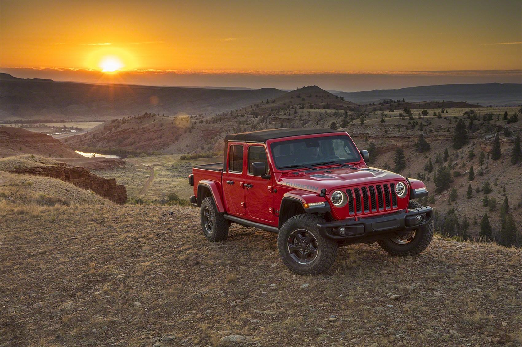 Jeep Wrangler Seat Covers >> Gladiator, ready! New 2020 Jeep Gladiator pickup arrives in LA | CAR Magazine