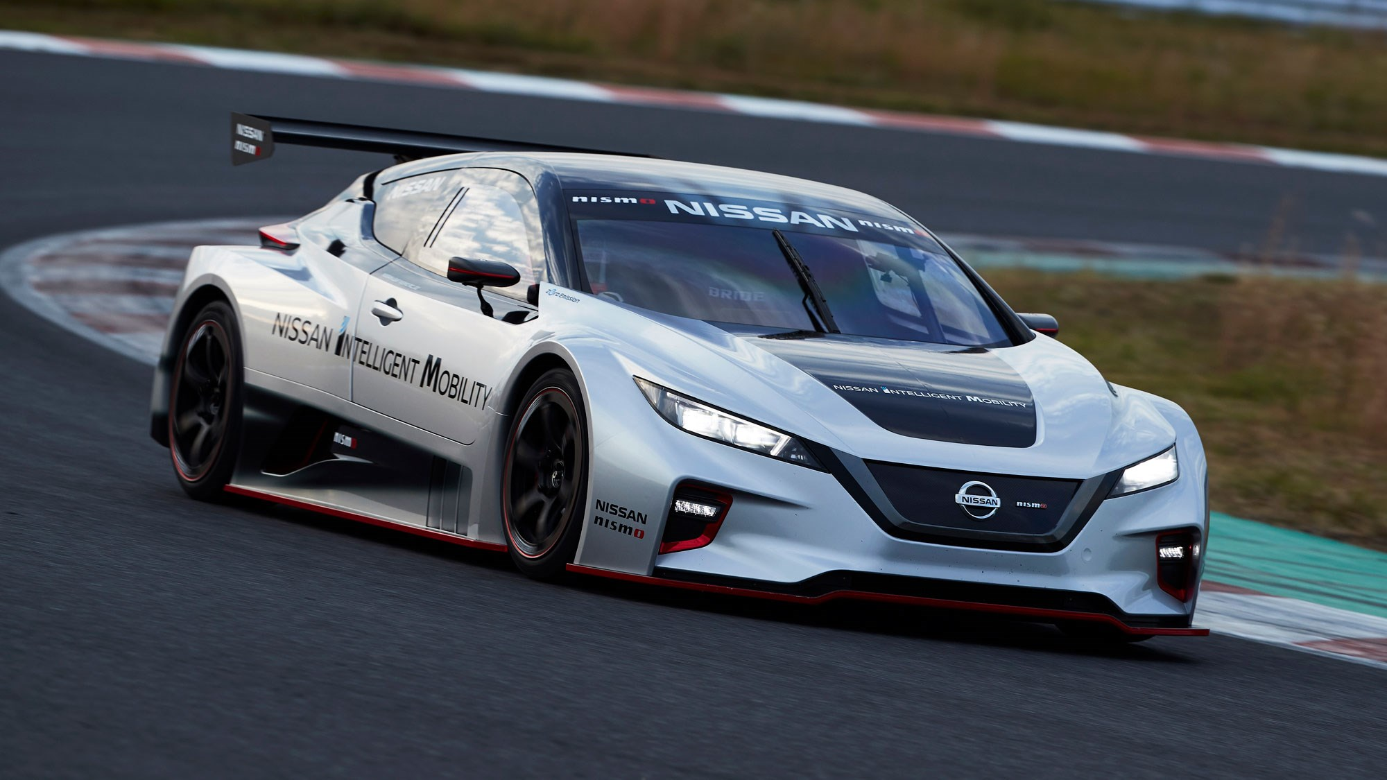Nissan Leaf Nismo Rc 317bhp Ev Racer Revealed In Tokyo Car Magazine