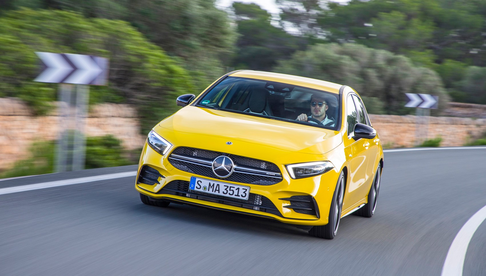 Mercedes-AMG A35 front tracking