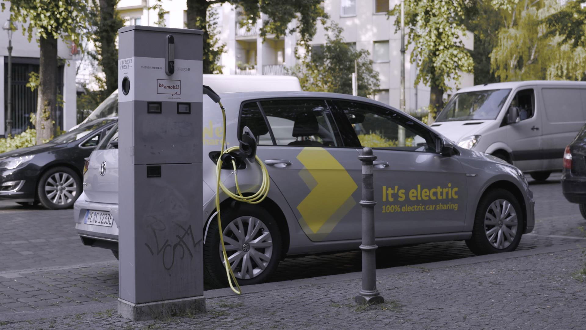 Weshare Vw S Ev Carsharing Service Revealed Car Magazine