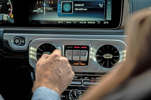 Mercedes-Benz G-Class differential locks