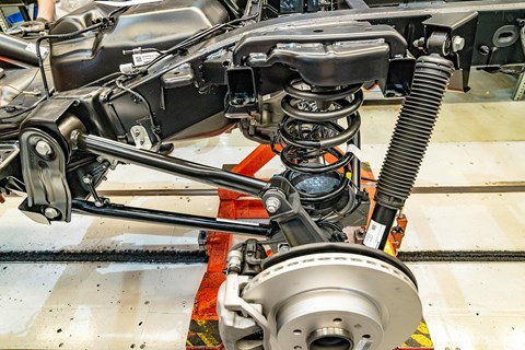 Mercedes G-Class suspension: a sturdy ladder frame chassis