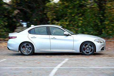 Alfa Giulia side
