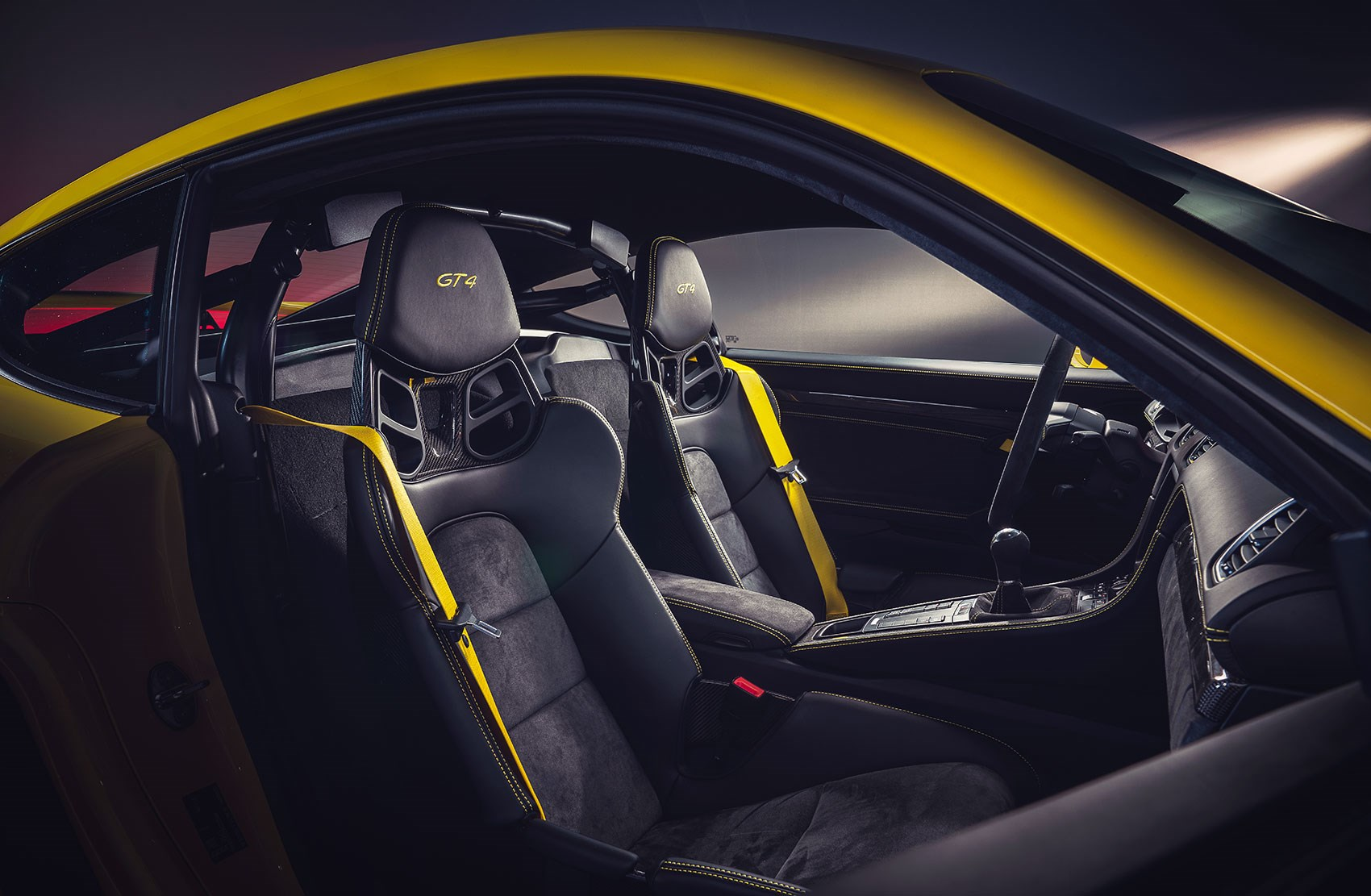 Porsche 718 Cayman GT4 news and pictures