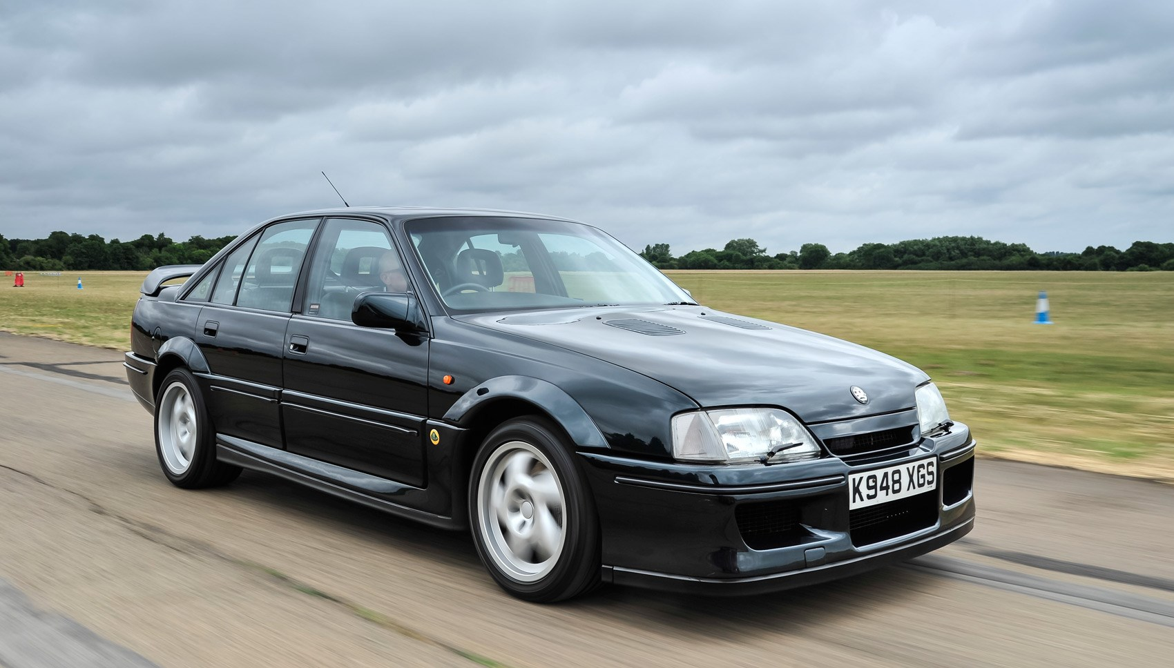 Lotus Carlton front tracking