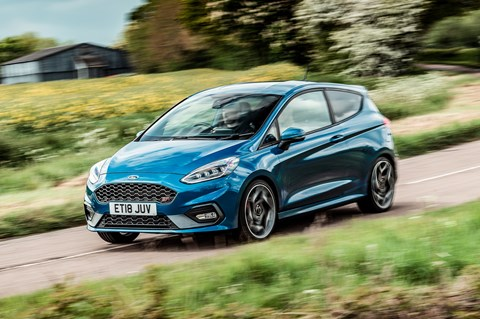 Fiesta ST side pan