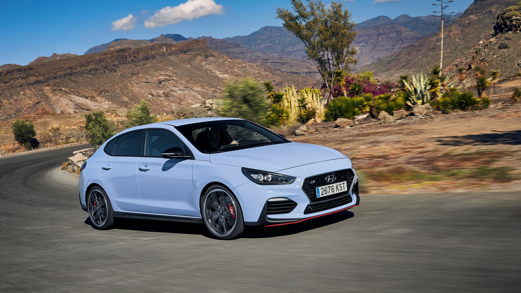 Hyundai i30 Fastback N (2019) review: grown-up hot hatch ...