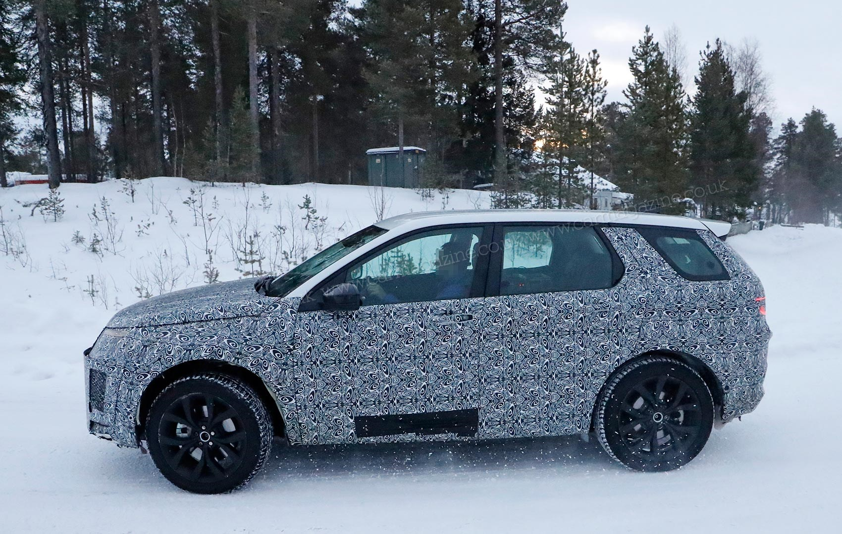 2020 Land Rover Discovery Is Built On The New Architecture >> New 2019 Land Rover Discovery Sport Car Magazine