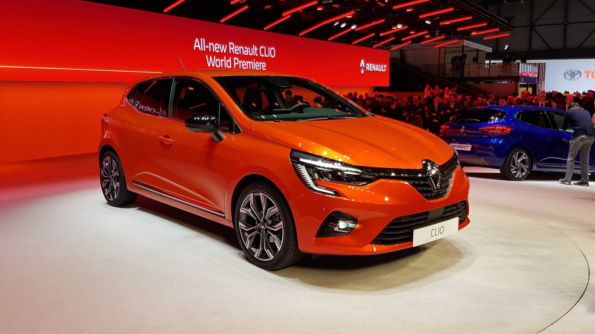 new renault clio priced from 14 295 undercuts fiesta. Black Bedroom Furniture Sets. Home Design Ideas