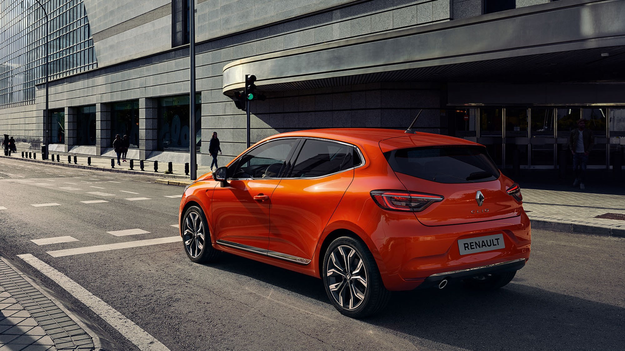 New Renault Clio Priced From 14 295 Undercuts Fiesta