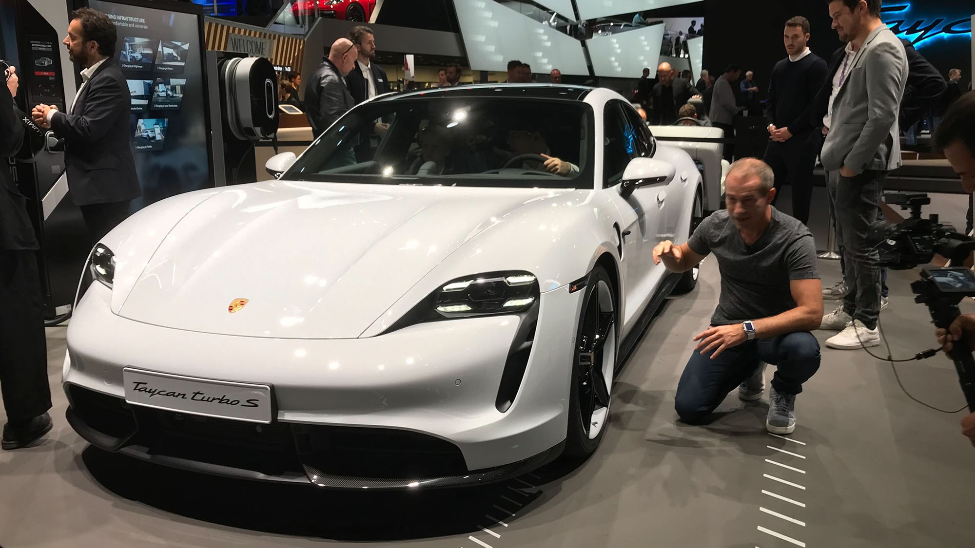 Porsche Taycan 2021 Updates Include More Tech More Speed Car Magazine