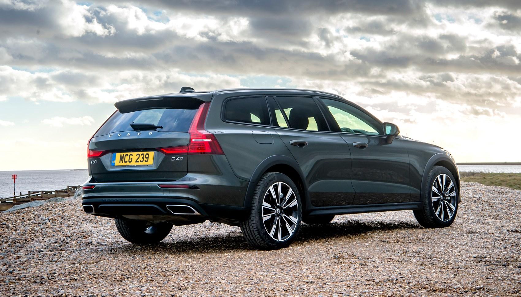 Volvo V60 Cross Country >> Volvo V60 Cross Country Review Tough Yet Gentle Car Magazine