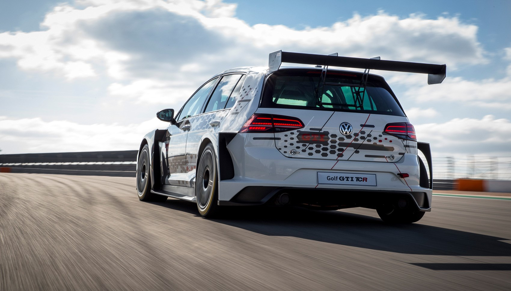 Golf GTI TCR rear tracking