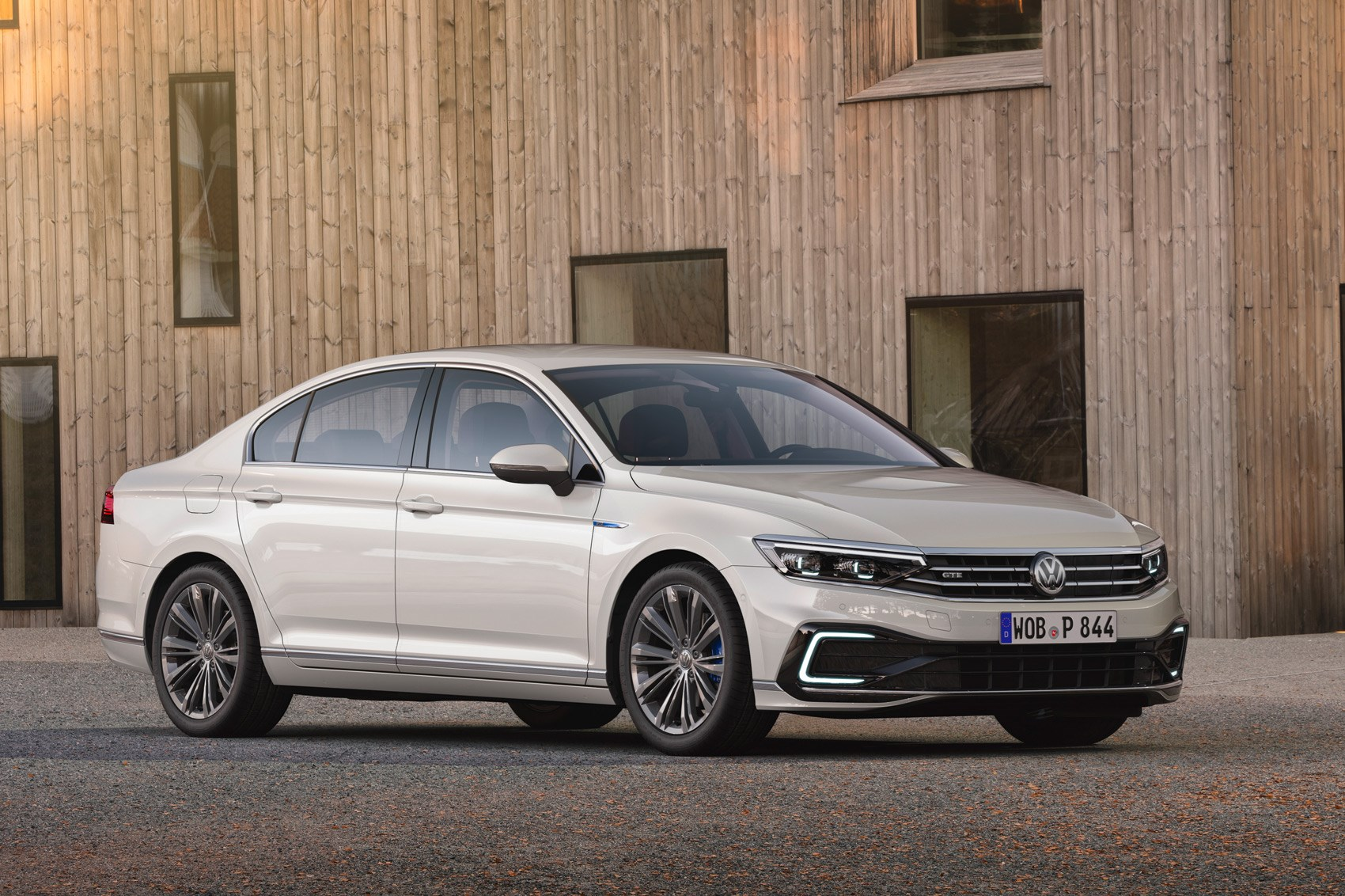 Volkswagen Passat (2019) saloon and estate: the full story ...