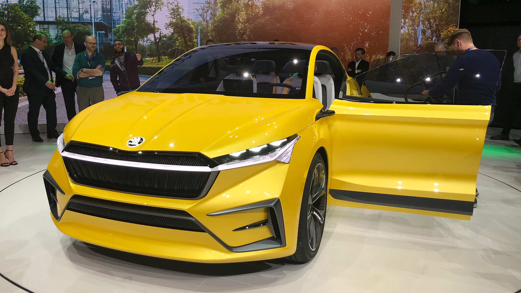 Skoda Vision Iv Czech High Voltage Crossover Ev Is Here