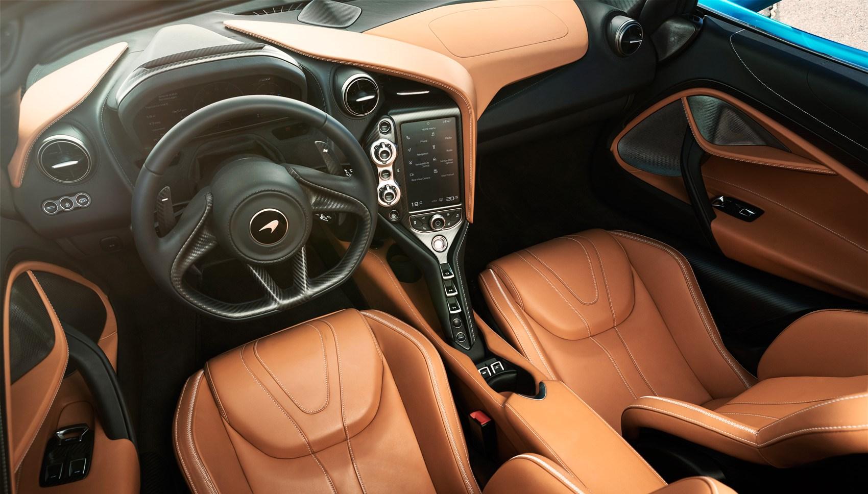 720S Spider interior