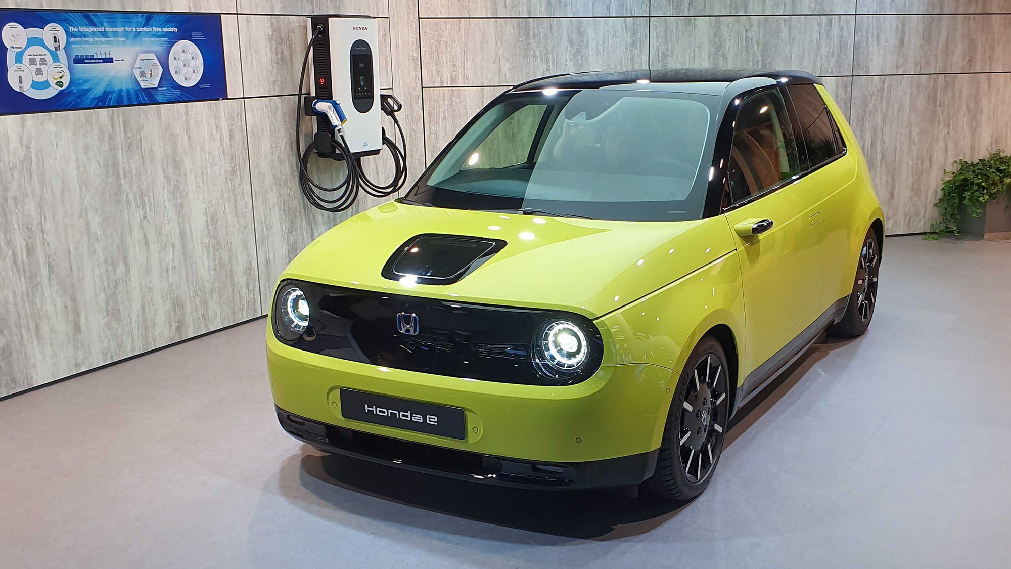 Honda e: cute electric city car to cost from £26,160 | CAR