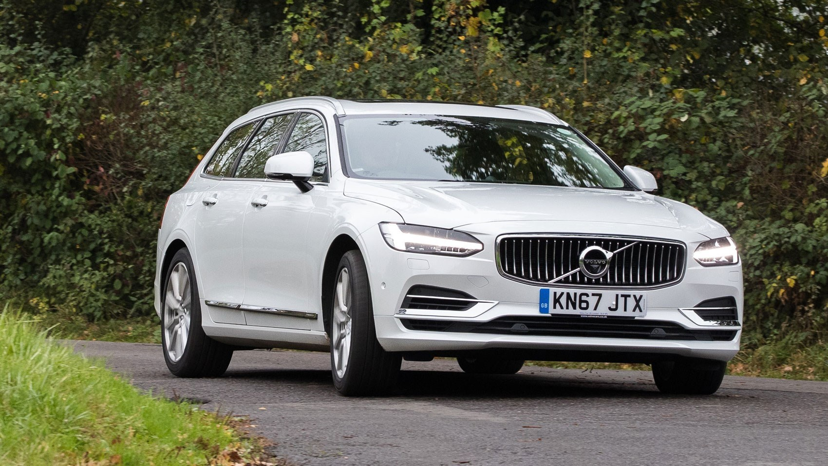Volvo is limiting all of its cars' top speeds to 180 km/h