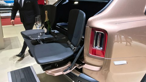 Rolls-Royce launches Bespoke programme at Geneva 2019 - Cullinan Geneve 2019 rear view