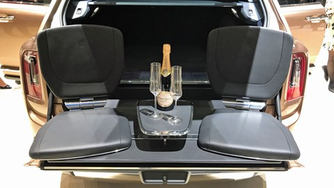 Rolls-Royce launches Bespoke programme at Geneva 2019 - Cullinan Geneve 2019 VIewing Suite