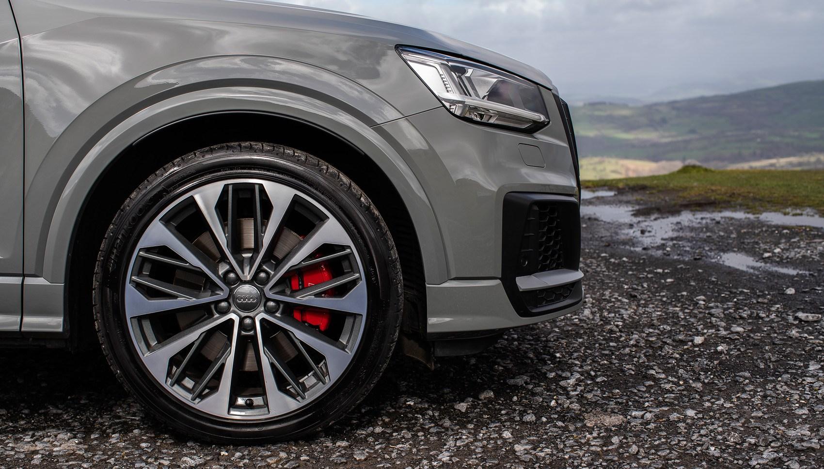 Audi SQ2 wheel