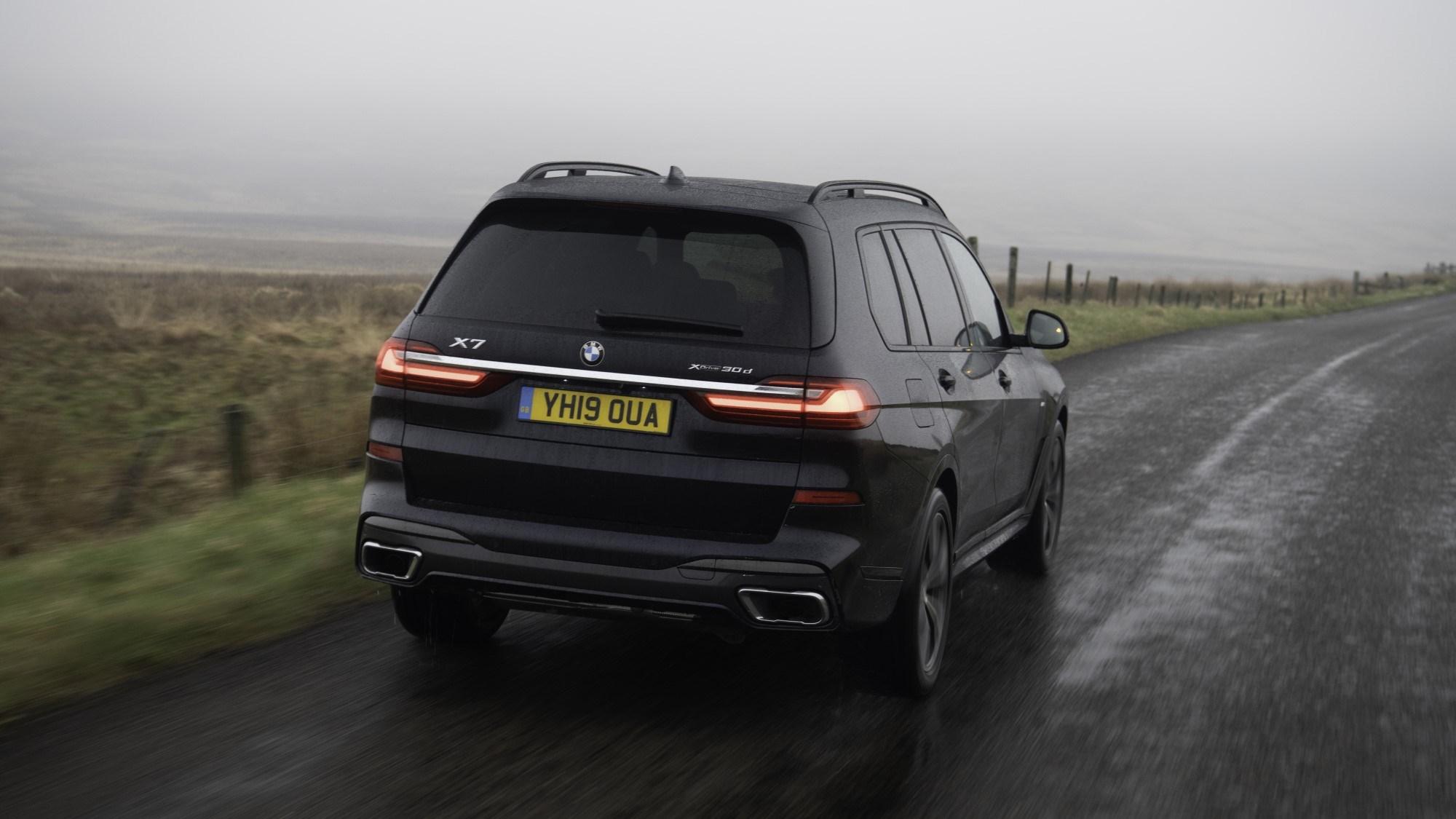 BMW X7 rear tracking