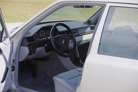 Mercedes 500 E interior