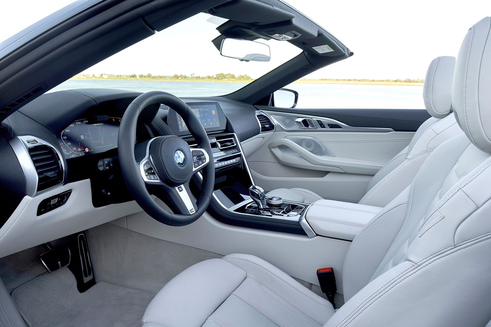 BMW 8-series Convertible interior: a plush cockpit
