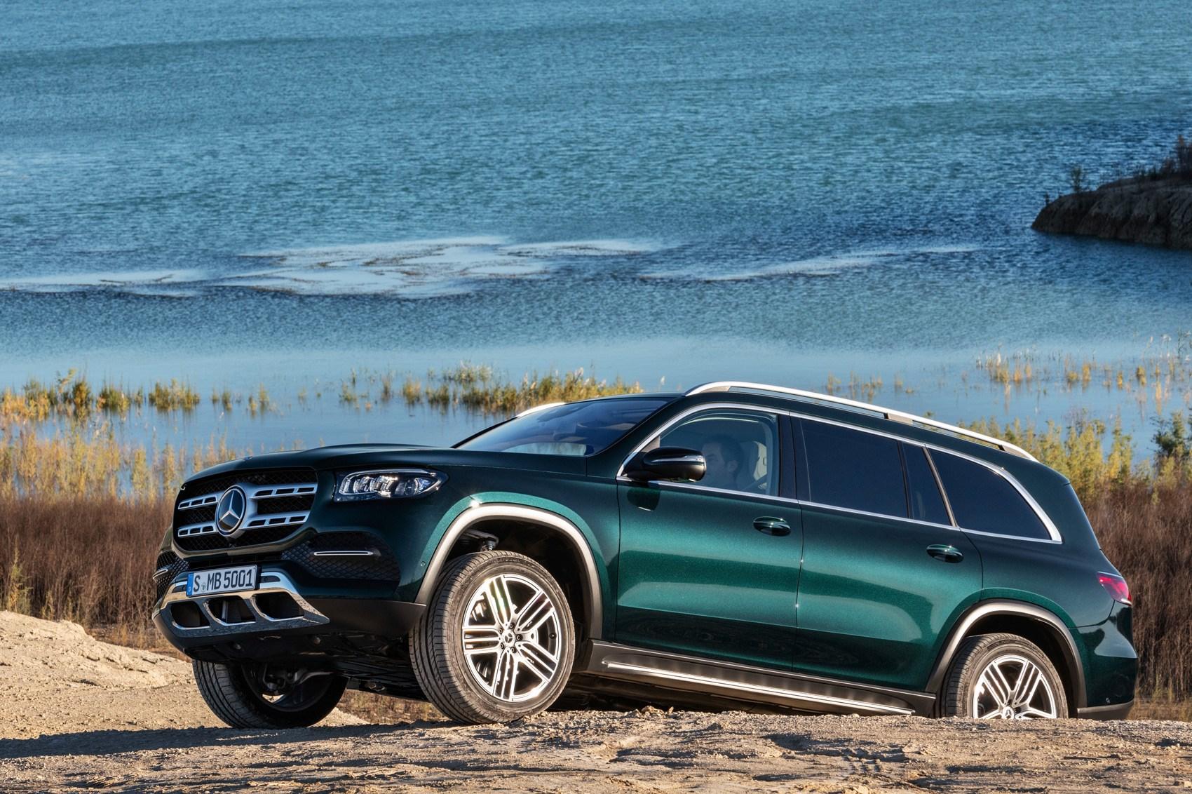 All-new Mercedes GLS SUV rolls into New York | CAR Magazine