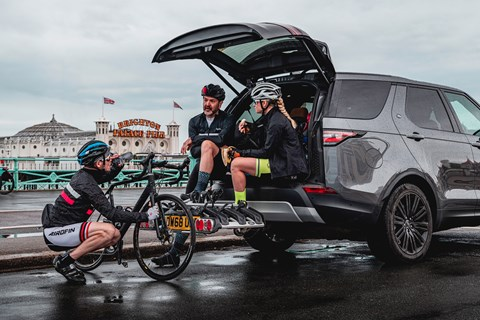 Land Rover Discovery bicycle test
