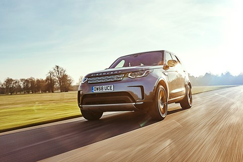 Land Rover Discovery front tracking