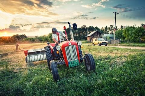 Yugo adventure tractor