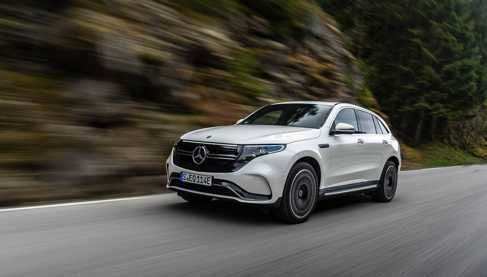 Mercedes EQC front tracking