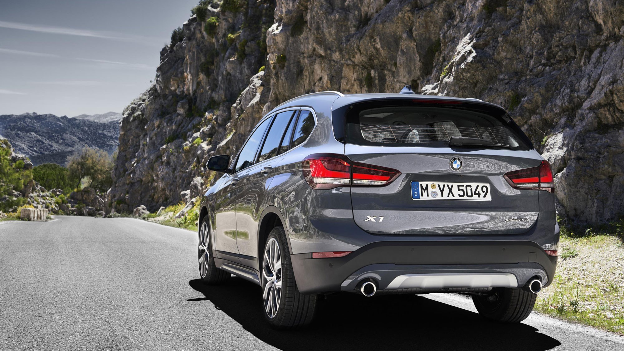 new bmw x1 minicrossover gets facelifted  car magazine