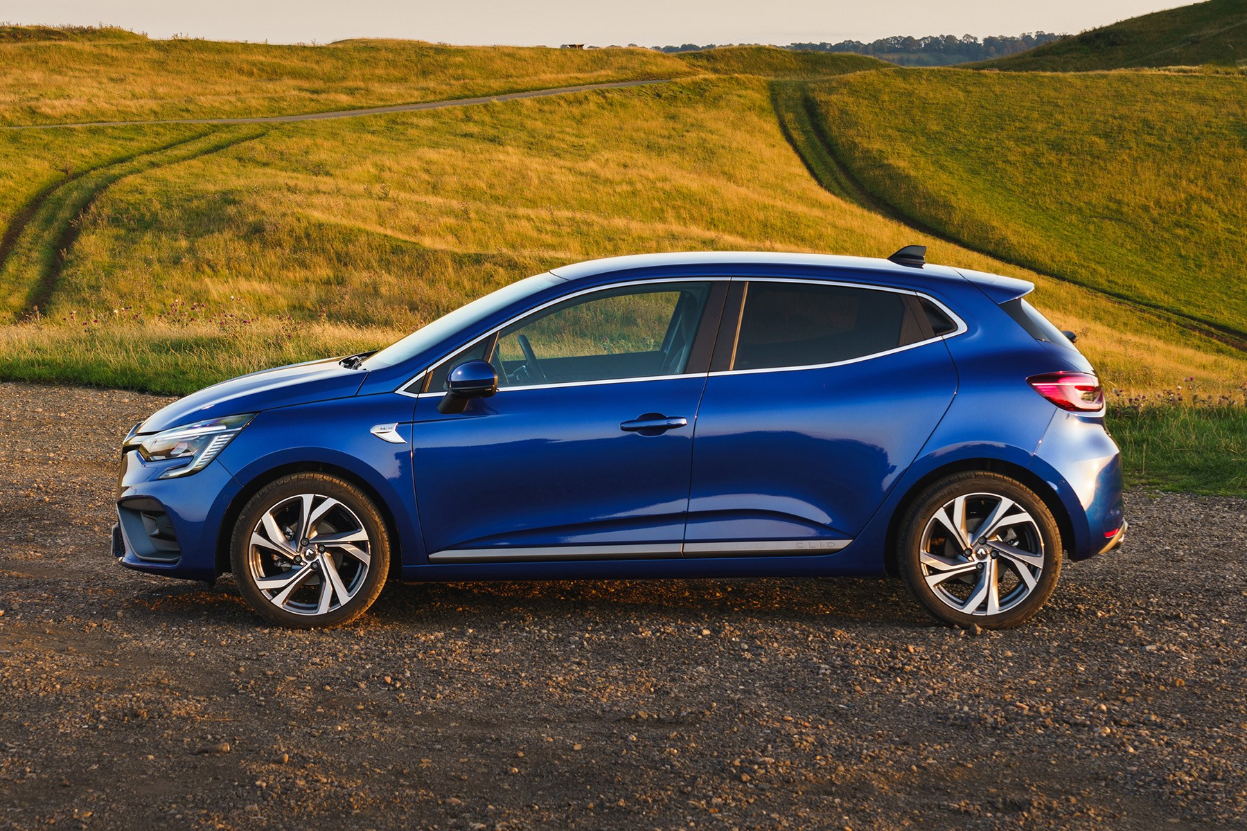 Renault Clio 2019 R.S. Line side