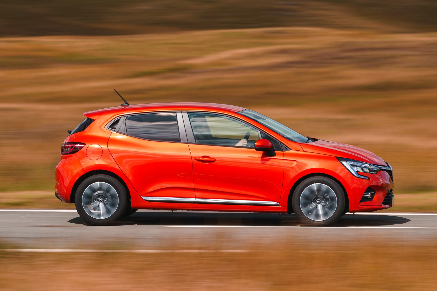 Renault Clio driving side 2019