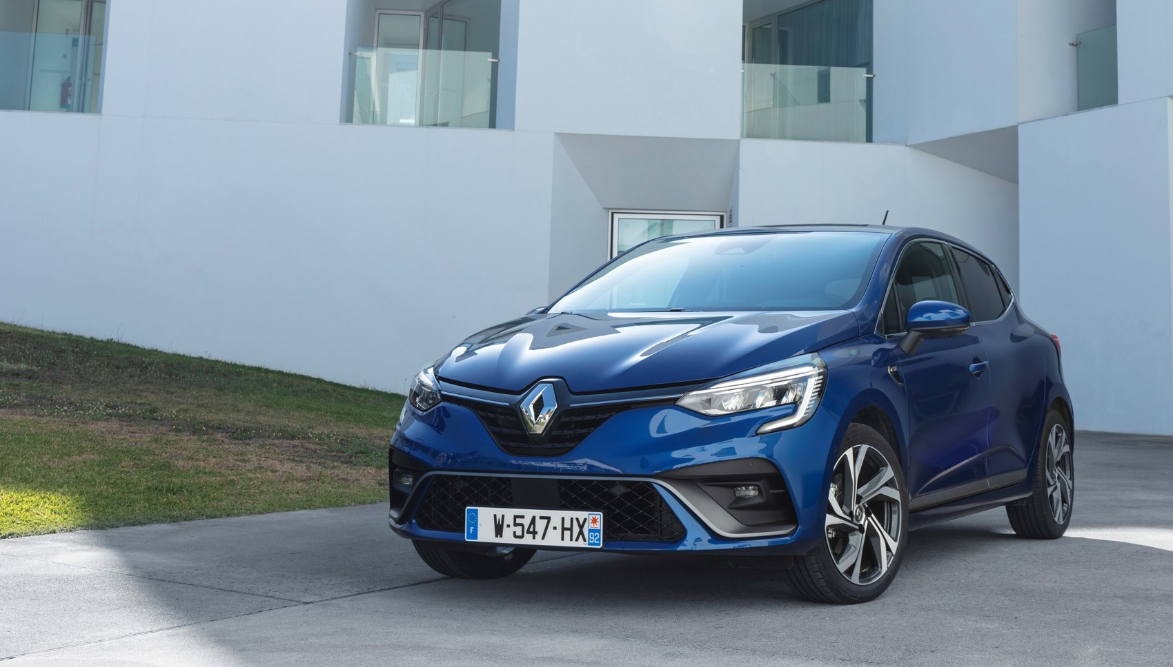 Renault Clio (2019) review: the same but better | CAR Magazine