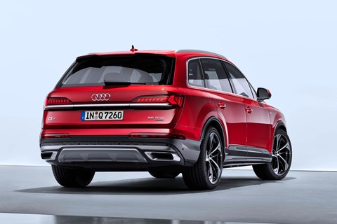 Audi Q7 rear quarter 2019