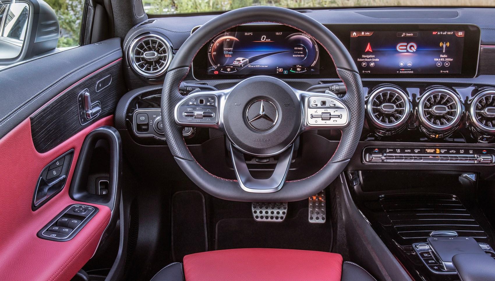 Mercedes A250e interior