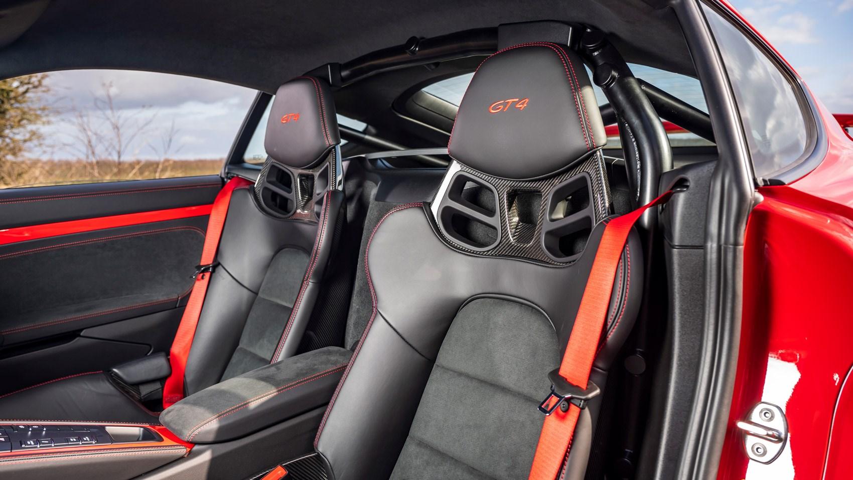 cayman gt4 seats