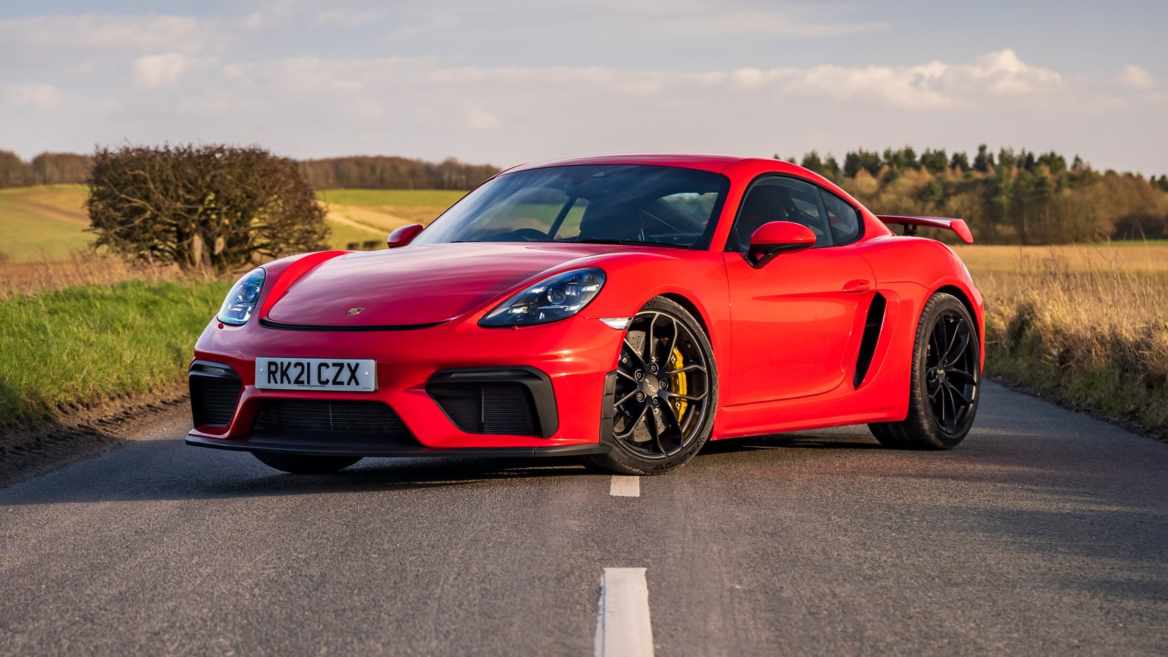 cayman gt4 front static