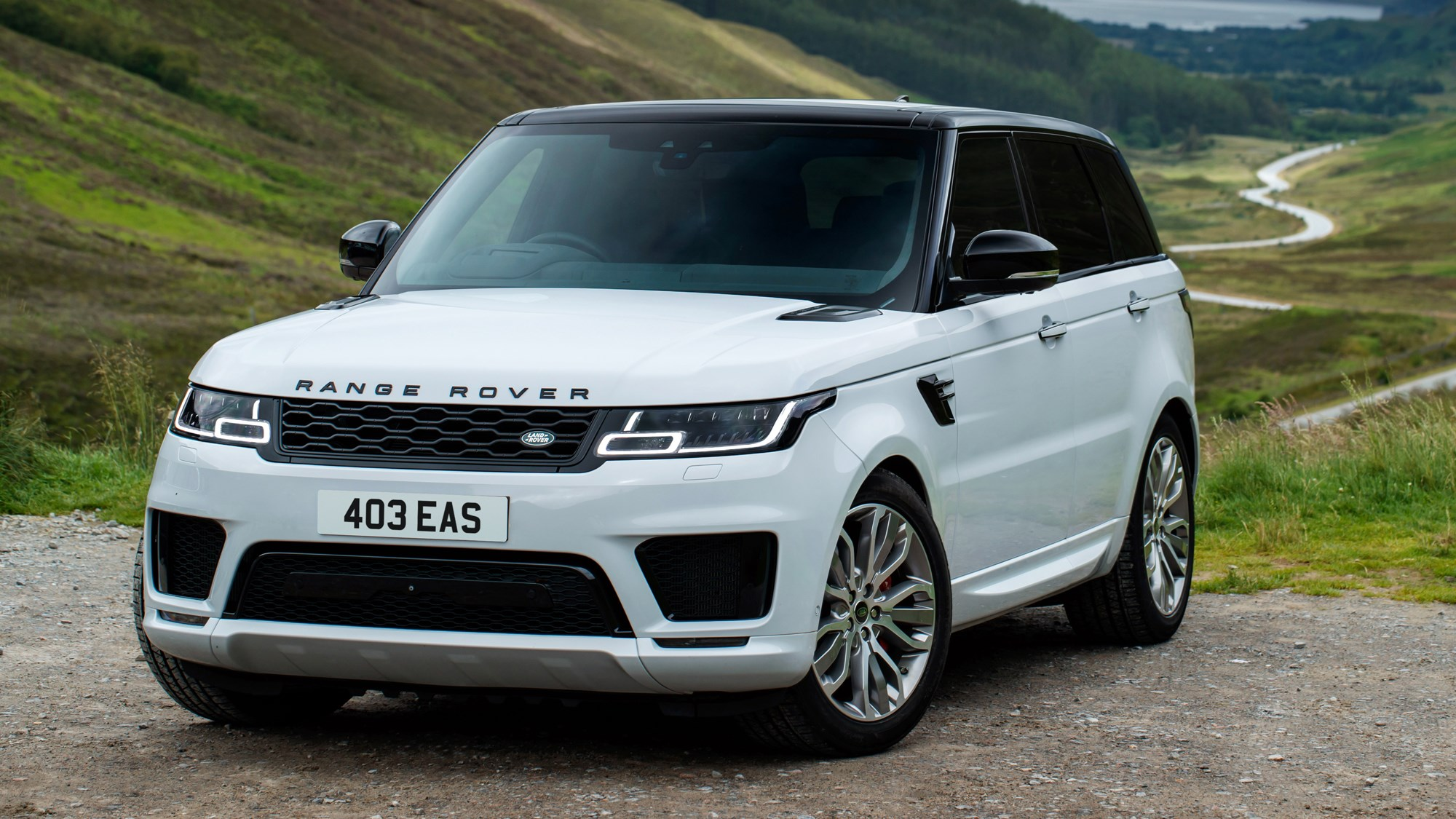 White Land Rover Range Rover Sport D350 front three-quarter